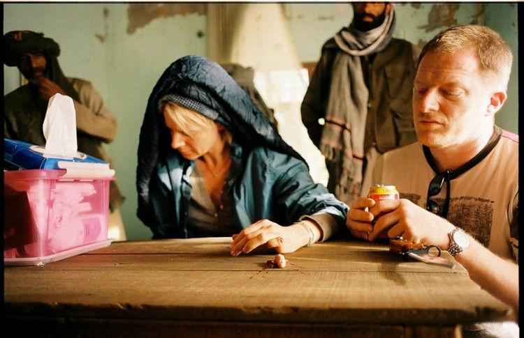 Skuespille Iben Hjejle og Stuntkoordinator Dennis Albrethsen. Iben uden finger, av. Flugten - 2009