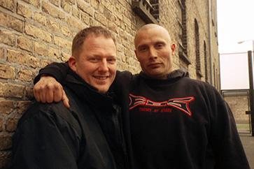Dennis Albrethsen og Mads Mikkelsen alias Tonny - Pusher 2, 2004